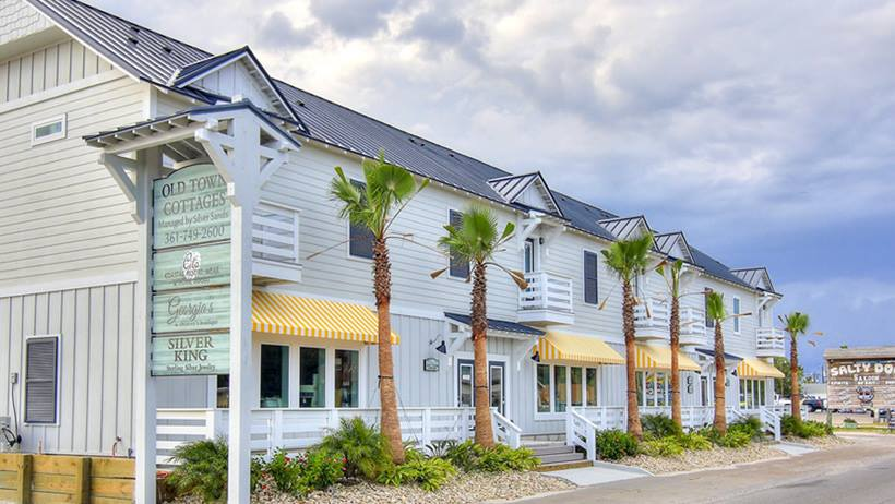 Old Town Cottages in Port Aransas | www.portaransastex.com