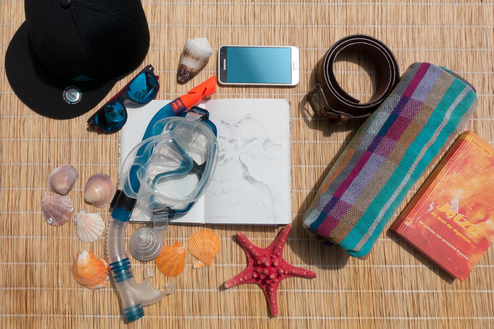 Beach gear, sunglasses, mat, starfish | www.portaransastex.com